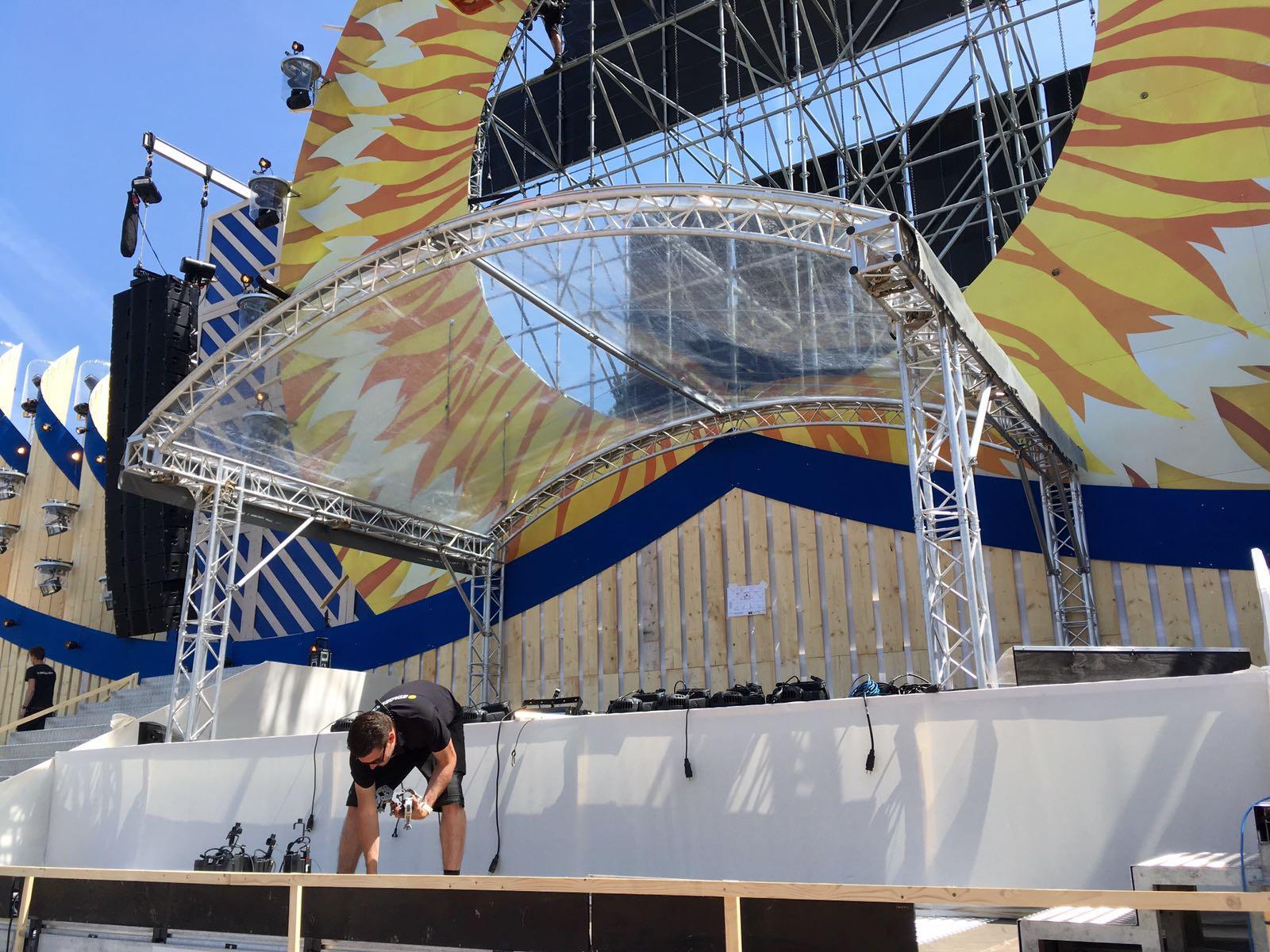 core24 transparant podium