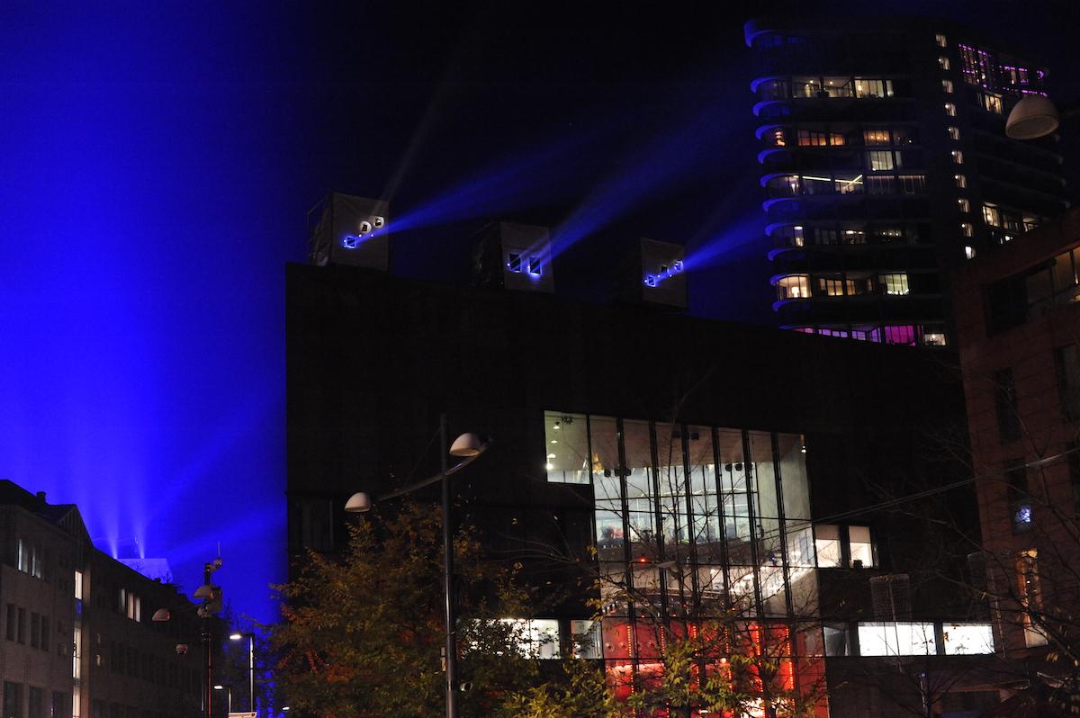 Glow projectoren beschermd door Core-a-sol van Coreworks