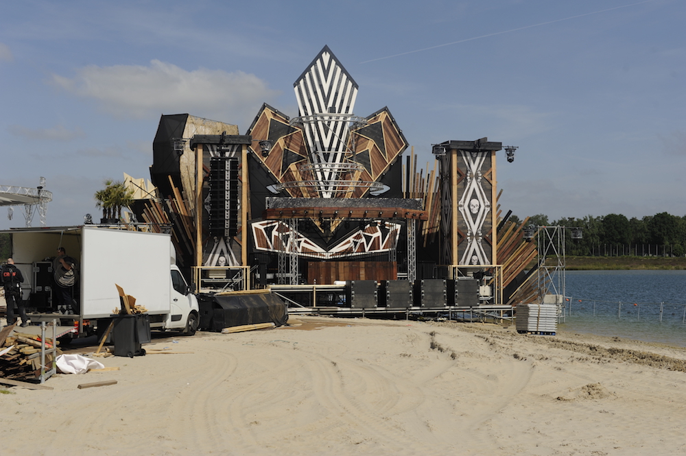 extrema outdoor belgium beach podium