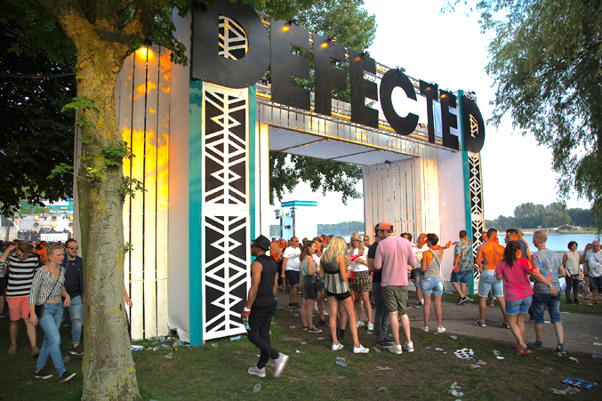 poortconstrucite voor Defected
