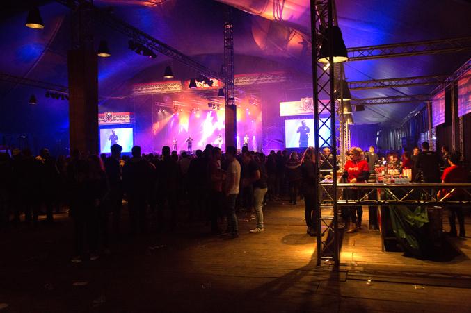indoor-podium-festival-2017